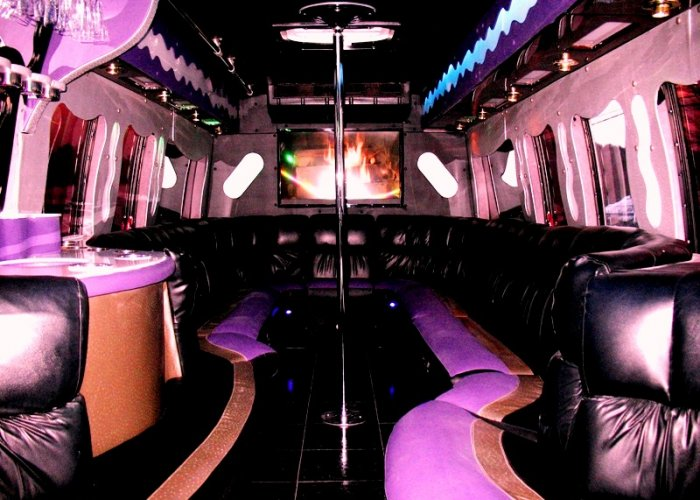 7 Custom Party Bus KZDWX7